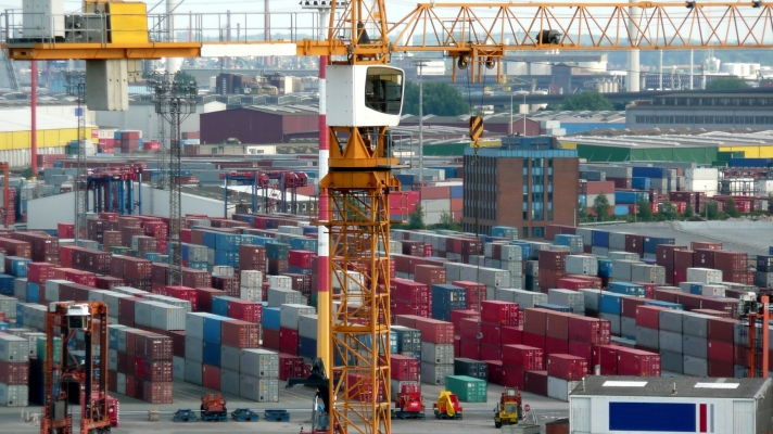 Container terminal with crane ports general