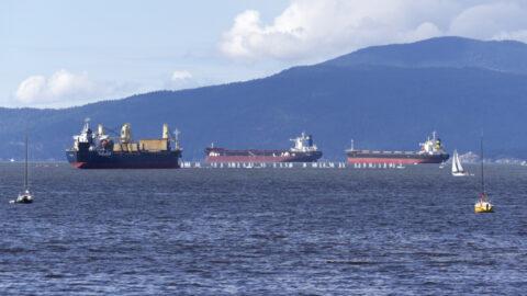Ships at sea 3