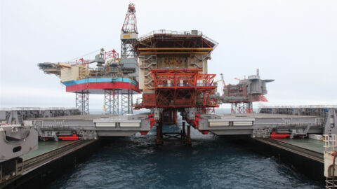 Fast lift of the topsides