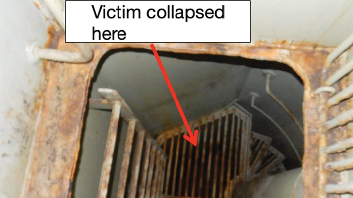 Stevedore Fatality in Enclosed Hold Ladder Space