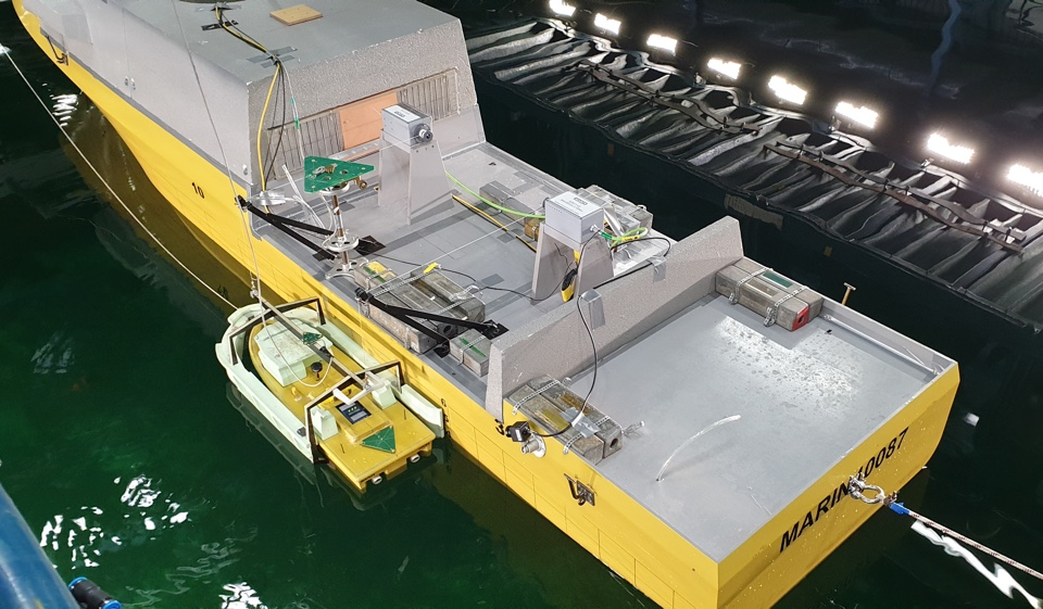 New Minehunters' Launch and Recovery System Survives Four-Metre Waves