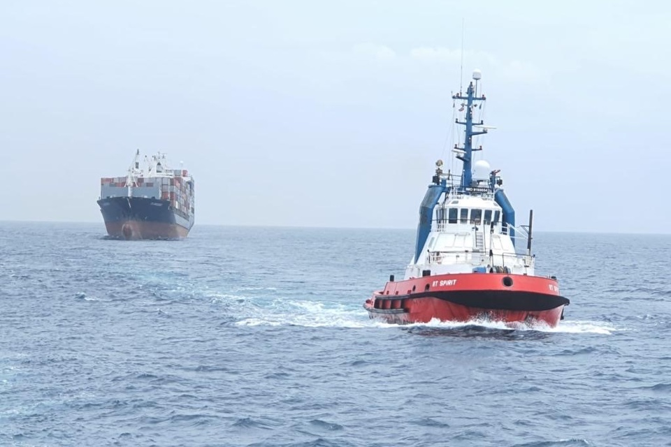 Kotug Salvages Drifting Container Ship after Engine Room Fire
