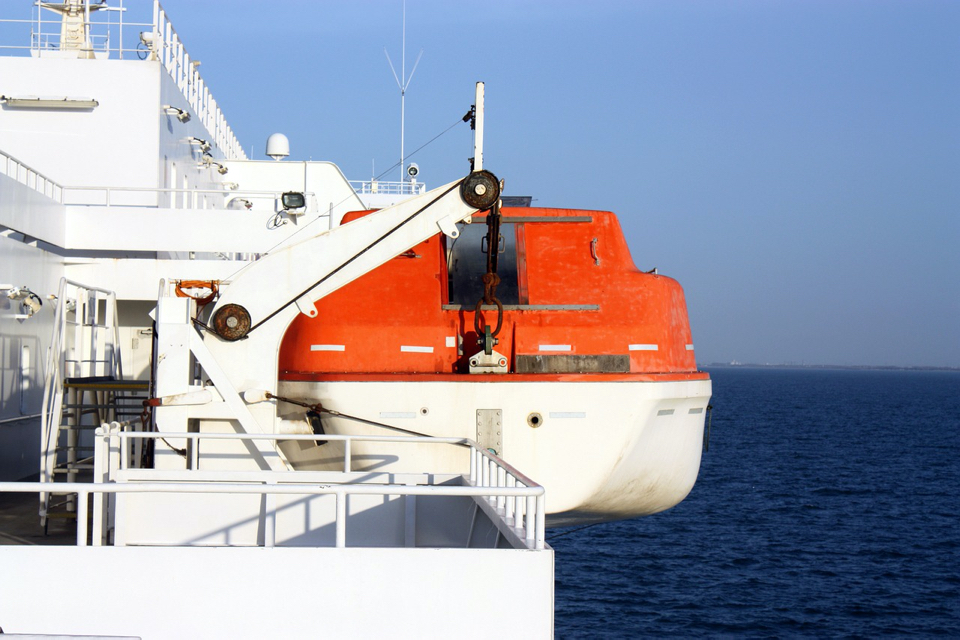 Defective Tightening Nut Makes Lifeboat Launch Impossible