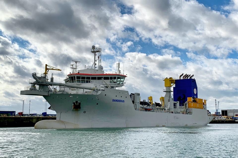 First ultra-low emission dredger arrives in Belgium