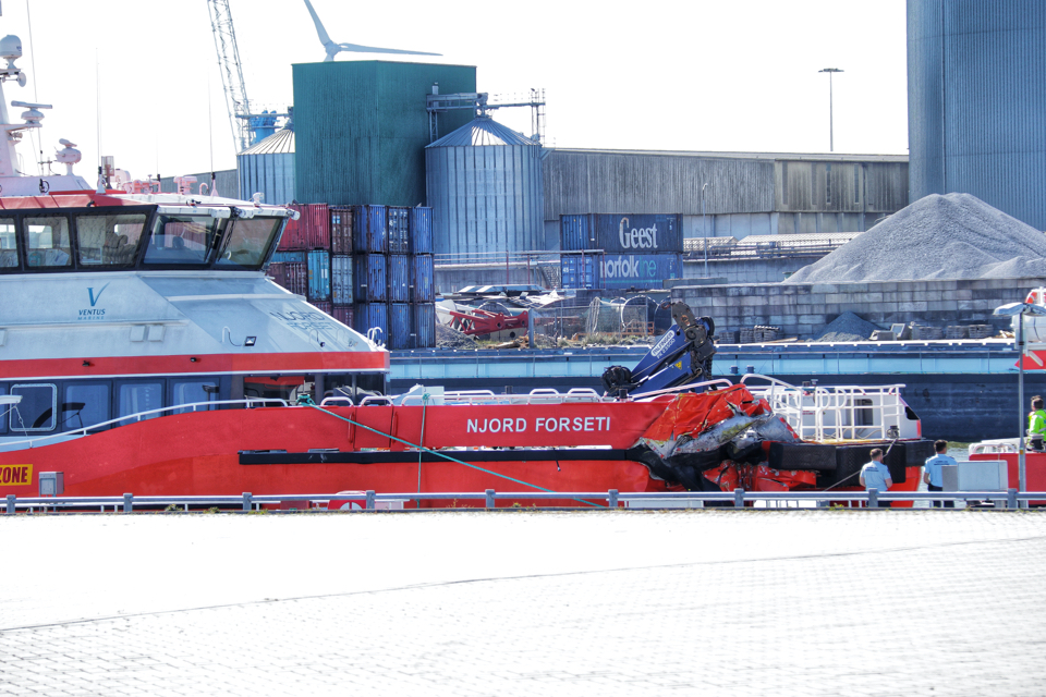 Ship hits wind turbine near Borkum