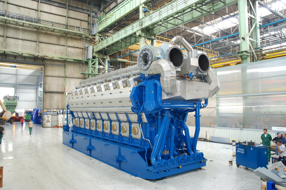 Tribute to the diesel engine, but with which types of marine fuels?