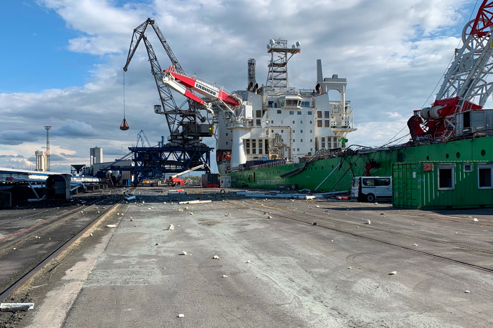 Construction of offshore wind farms compromised by crane accident