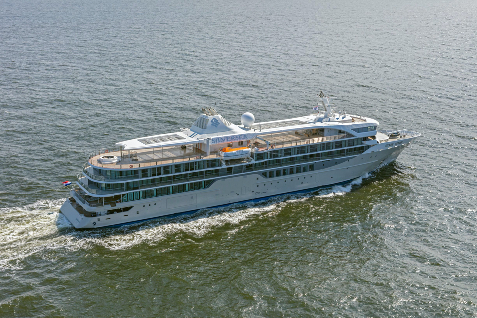 De Hoop delivers second expedition cruise vessel within two years