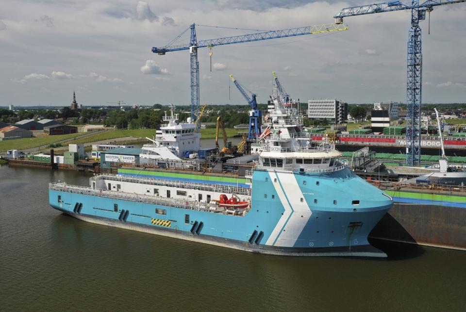 Shipyard Niestern Sander undertakes walk-to-work vessel conversion