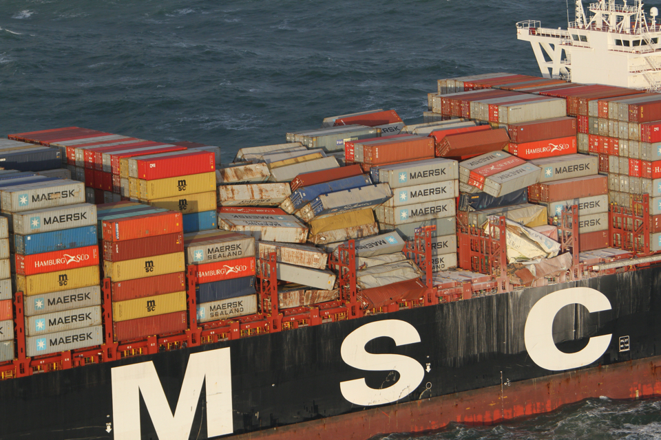 Could bilge keels be the answer to the rolling of container ships?