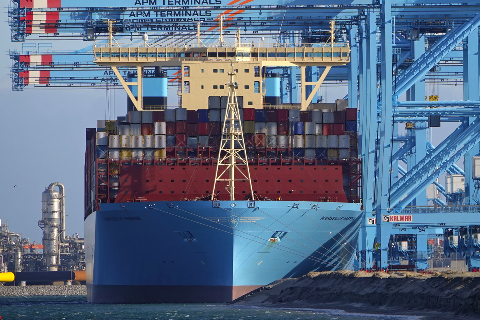 New 'draught record' in Rotterdam's container port