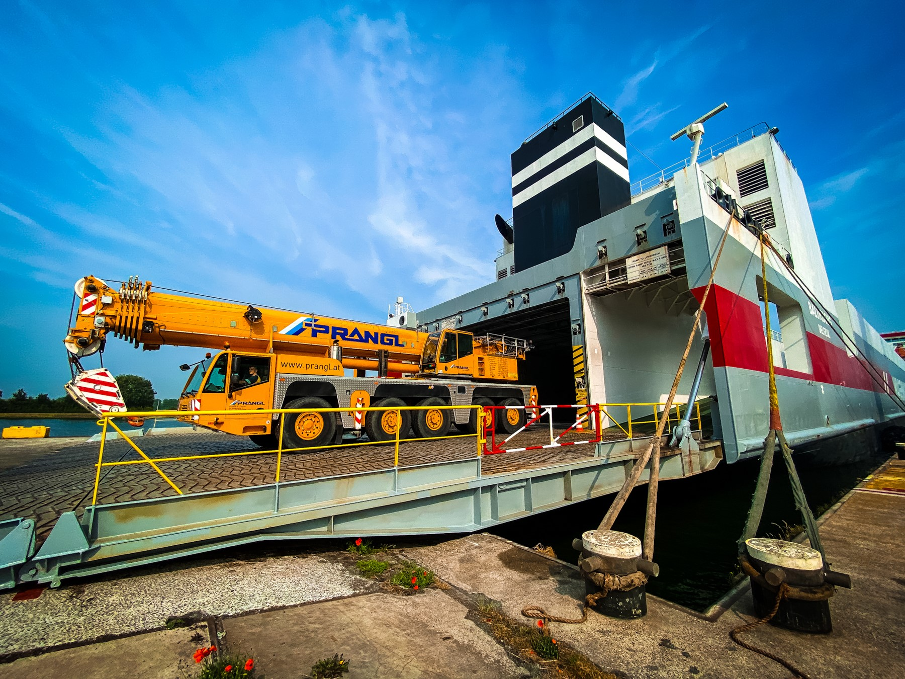 Wagenborg to ship large turbines with its RoRo liner service