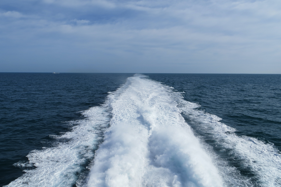 What are the benefits and limitations of marine battery propulsion?