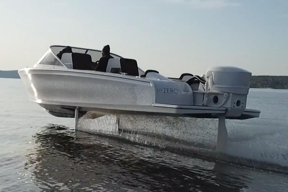 Watch Candela S Fully Electric Hydrofoil Boat In Action Swz Maritime