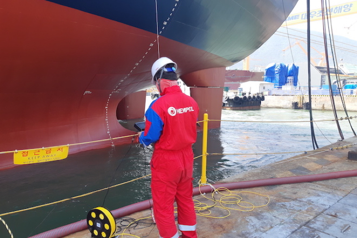 Hempel launches underwater hull inspections with ROVs