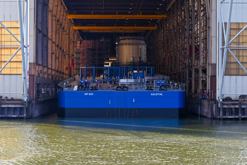 Video: Neptune Marine launches shallow draft cable transport barge