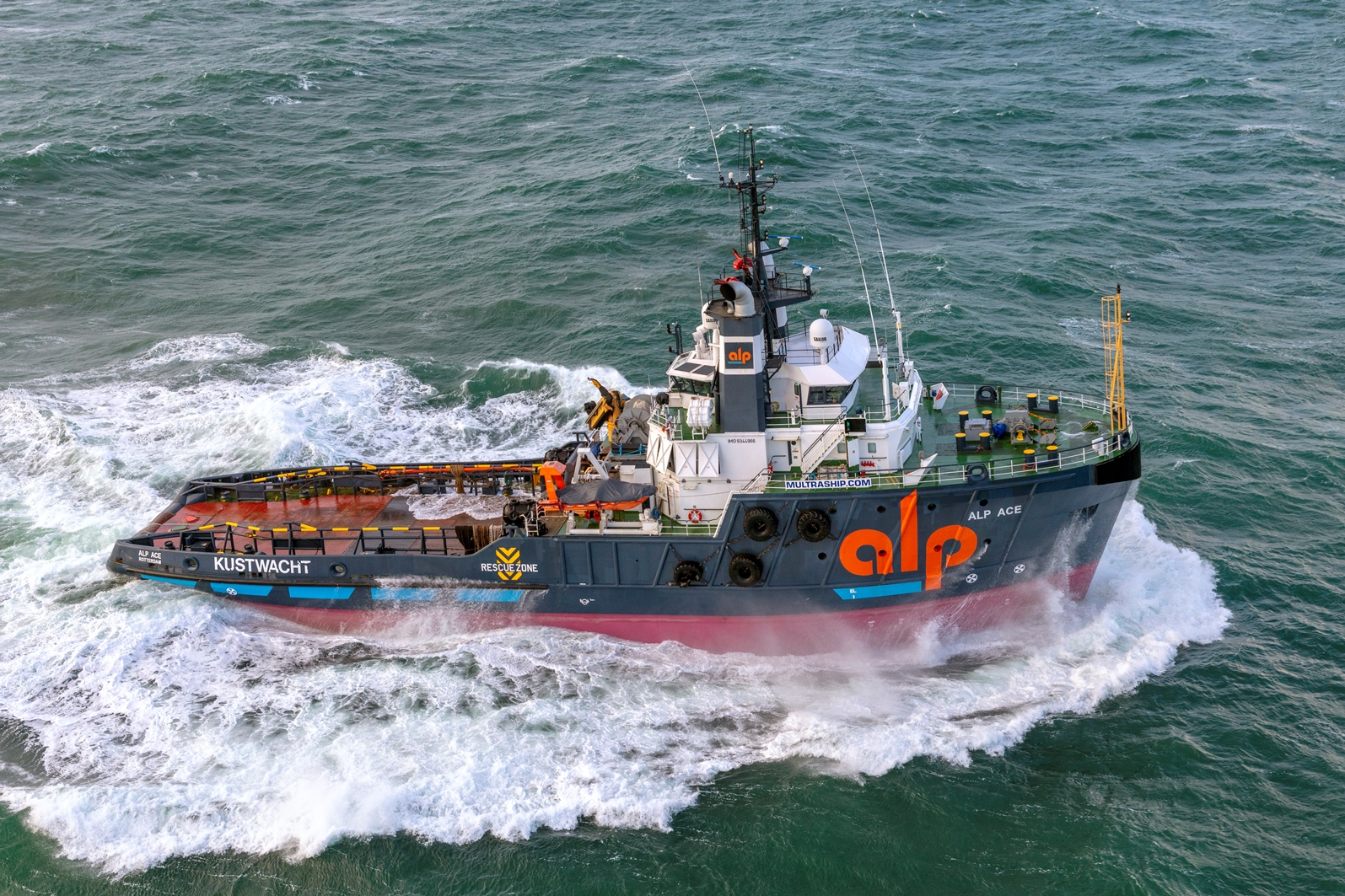 Emergency tugboat for protection of Borssele offshore wind farm