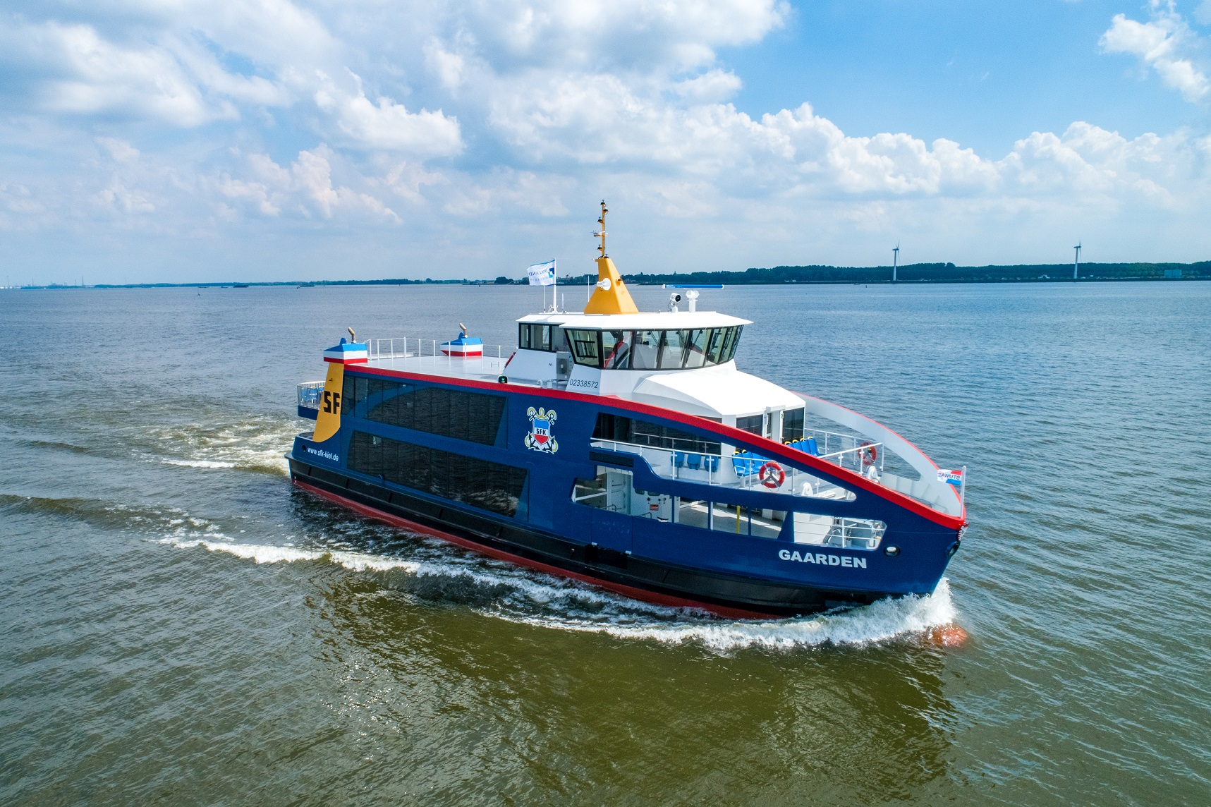 Holland Shipyards will build three more hybrid ferries for SFK