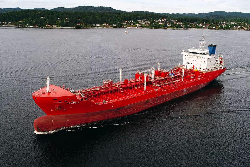 Kidnapped crew of oil tanker Davide B released