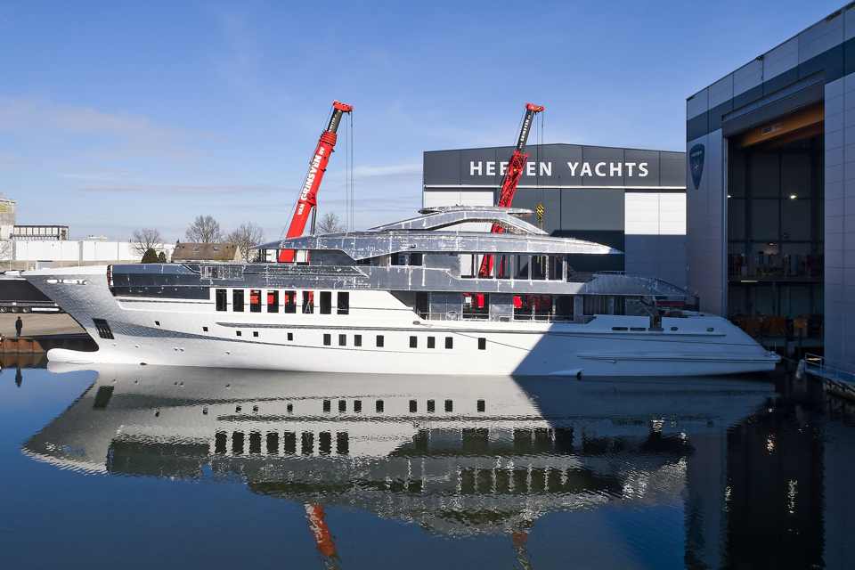 Heesen joins hull and superstructure of superyacht Project Gemini