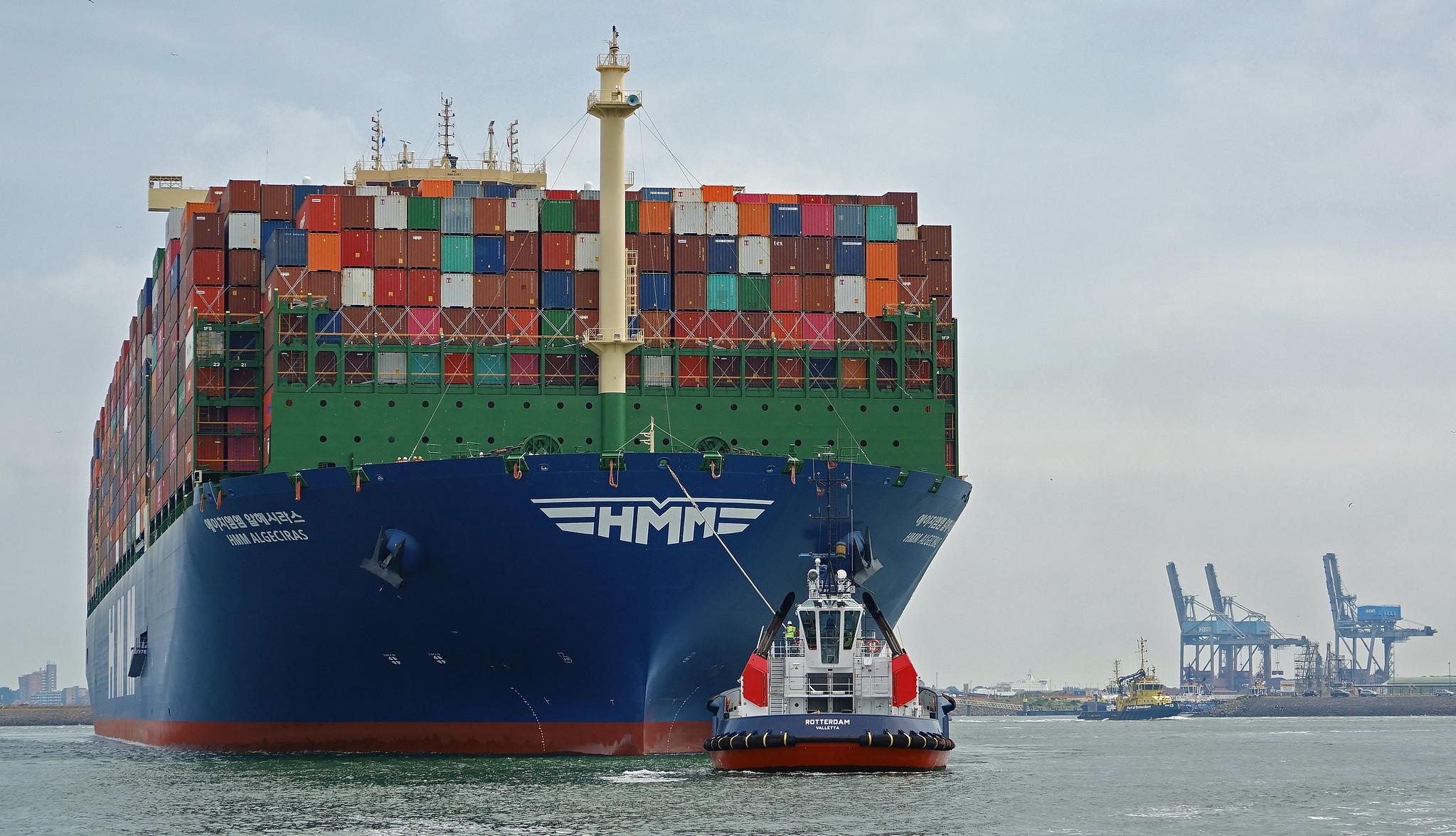 HMM orders twelve 13,000 TEU container ships