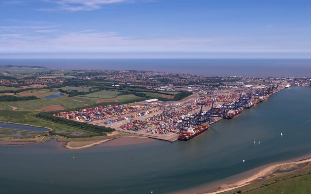 Van Oord and Boskalis will deepen approach channel to harbour of Harwich
