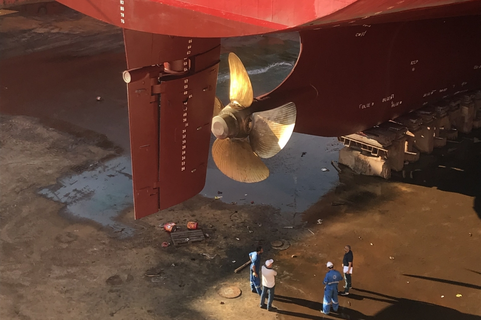 Vroon retrofits propeller blade on container ship Indian Express to save fuel